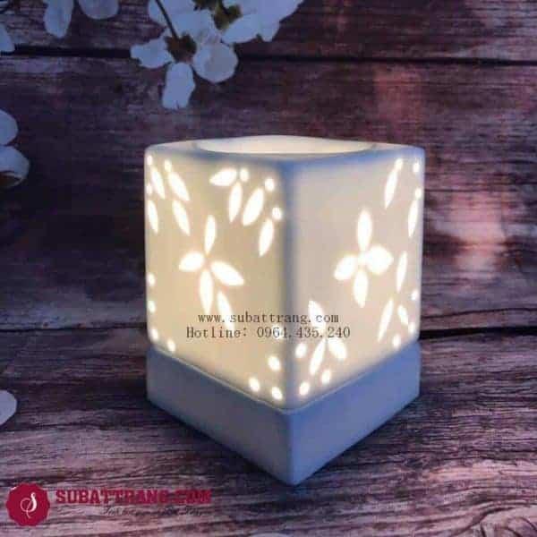Đèn Xông Tinh Dầu Bằng Điện Khắc Hoa Dáng Vuông - 90057