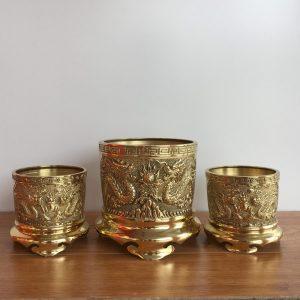 bát hương bằng đồng sẽ được lựa chọn sao cho đảm bảo phù hợp với mệnh của gia chủ