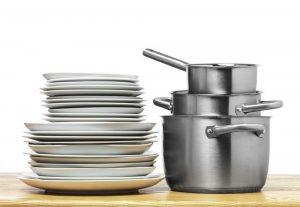 sứ là vật liệu quen thuộc để sản xuất bát đĩa